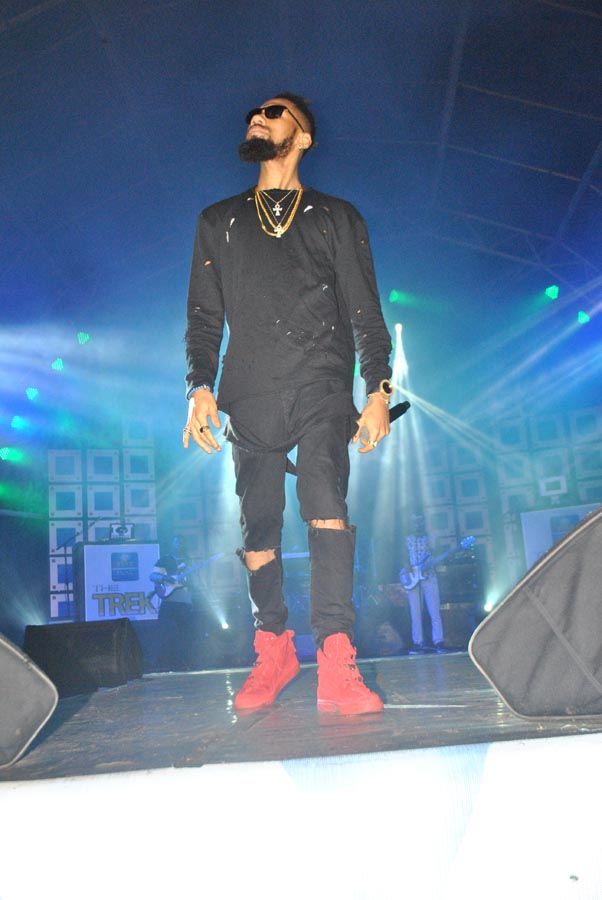 See How Fans Go Wild For Phyno In Calabar