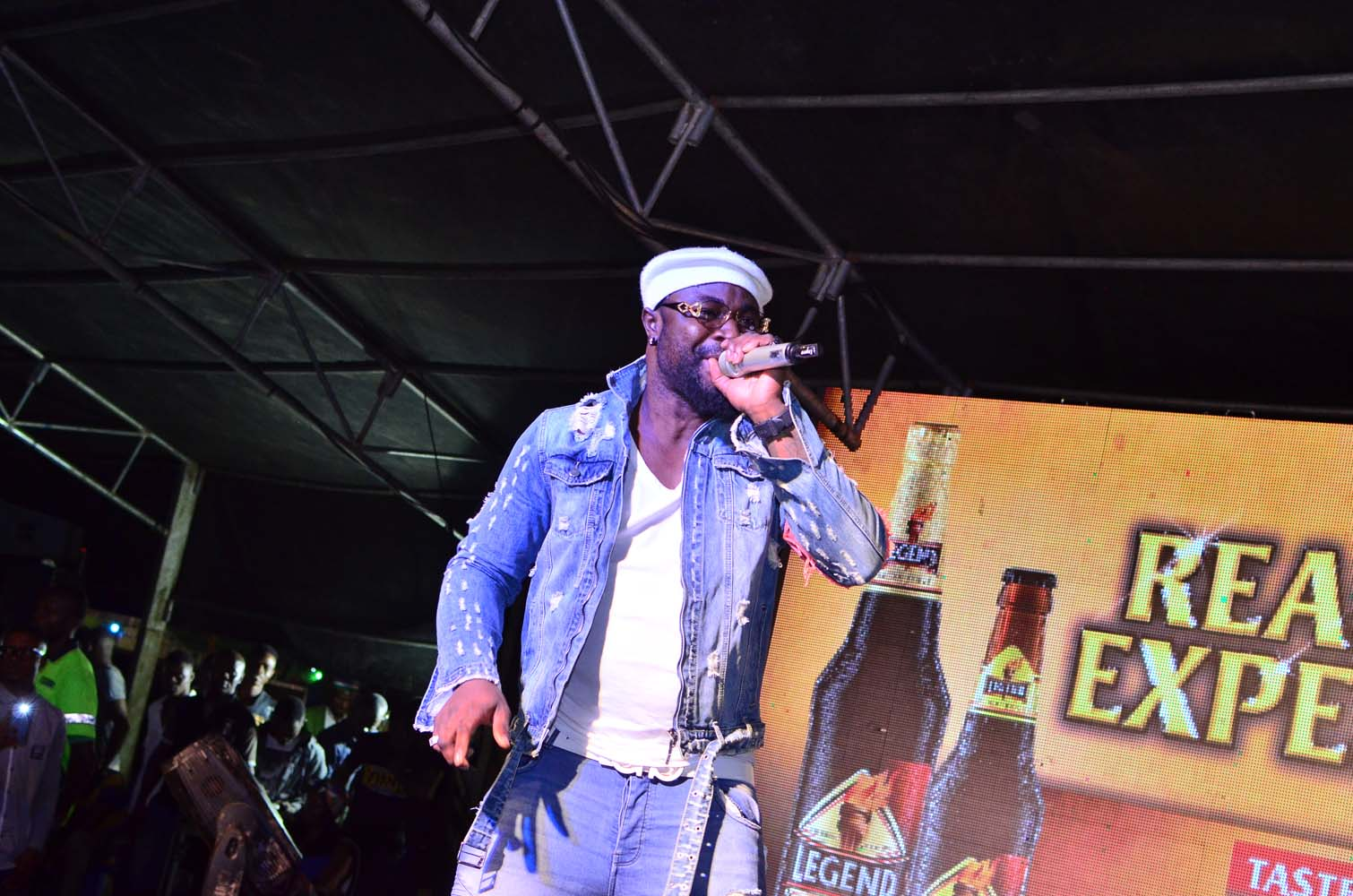 Harrysong Brings Legend's Real Deal Experience To An Exciting End In Abakaliki, as Residents Troop out En masse for a Night of All-round Fun